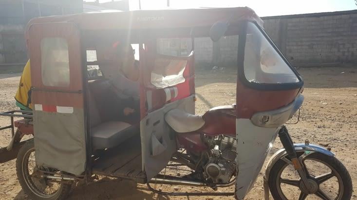 Mototaxi en arrivant à Puerto