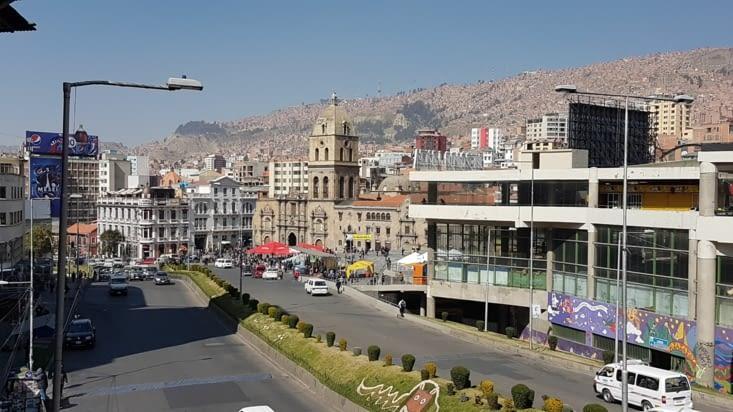 Le centre ville avec vue sur les hauteurs !
