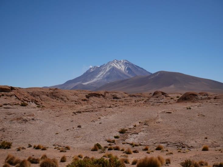 Arrêt panoramique sur le volcan Ollague