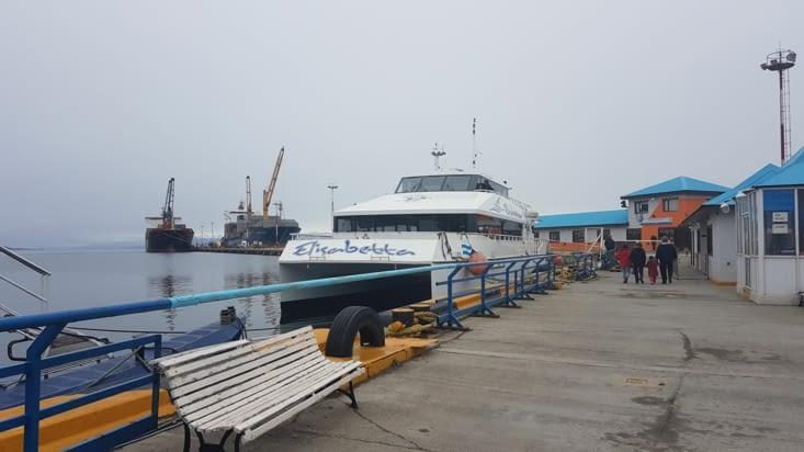 Notre bateau pour faire un tour sur le Canal de Beagle