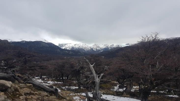 Point de vue sur le Fitz Roy et les montagnes alentours