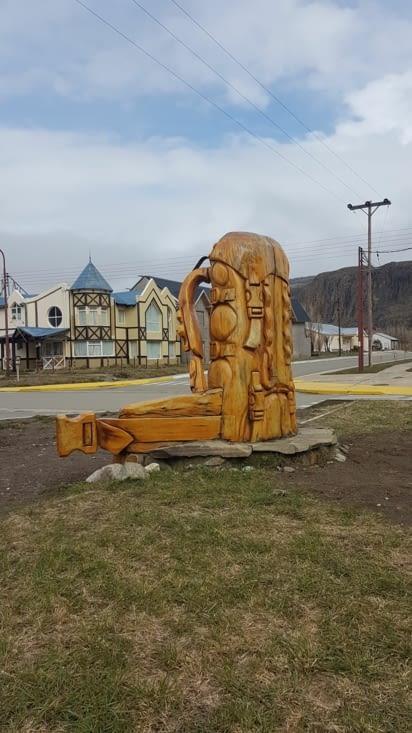 Sculpture de la ville qui représente bien notre voyage