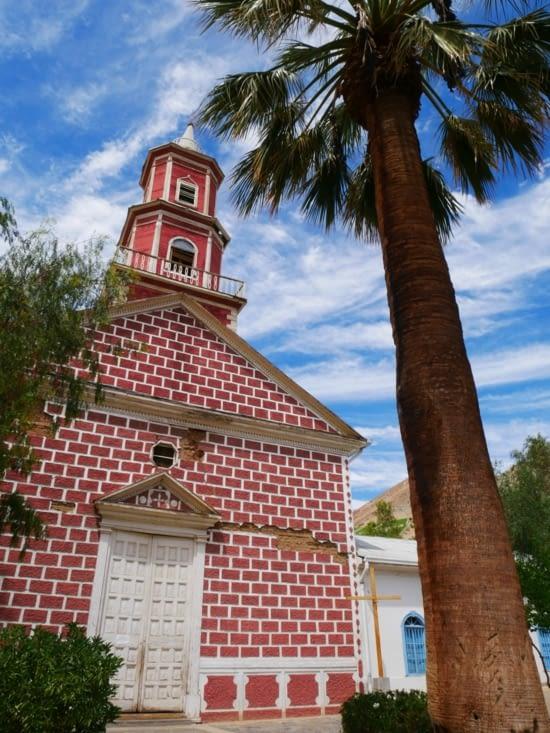 L'église rouge de Montegrande