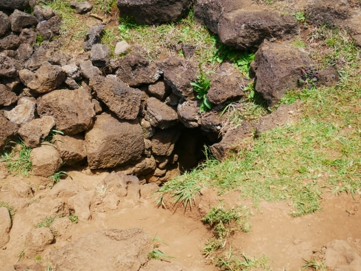 Arrêt à la grotte kakenga