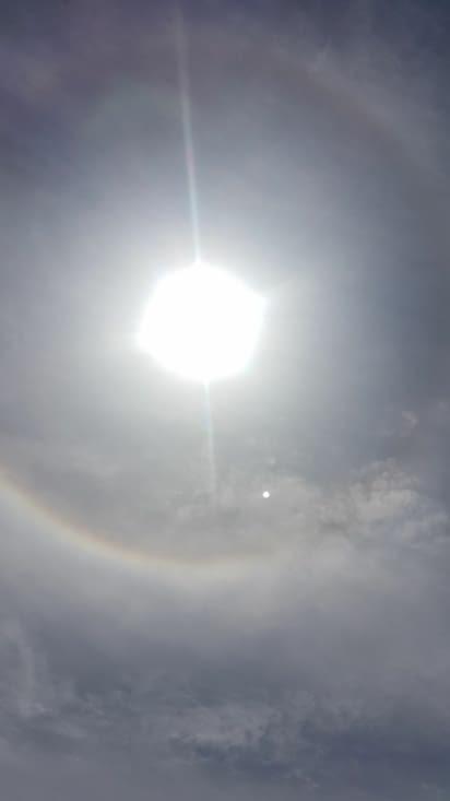 Sous un halo solaire