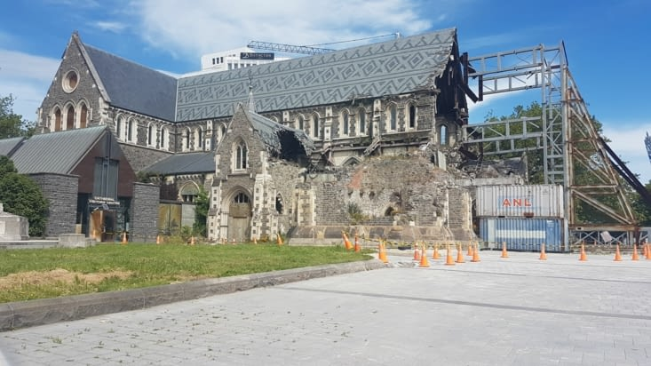 La cathédrale en ruine..