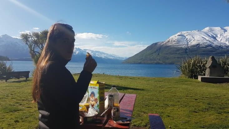 Petit déjeuner sur la rive