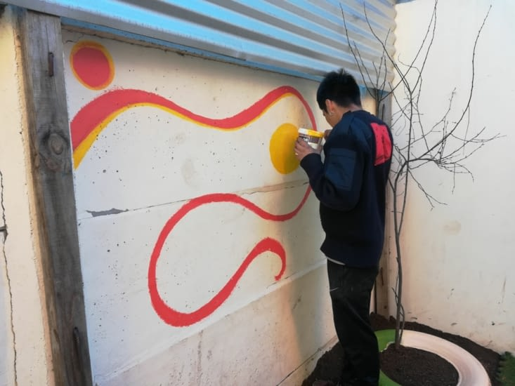 Peinture sur les murs de l'école