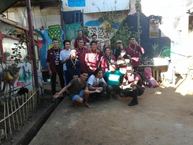 Photo de nous et des bénévoles de l'association ! Un peu mal prise...