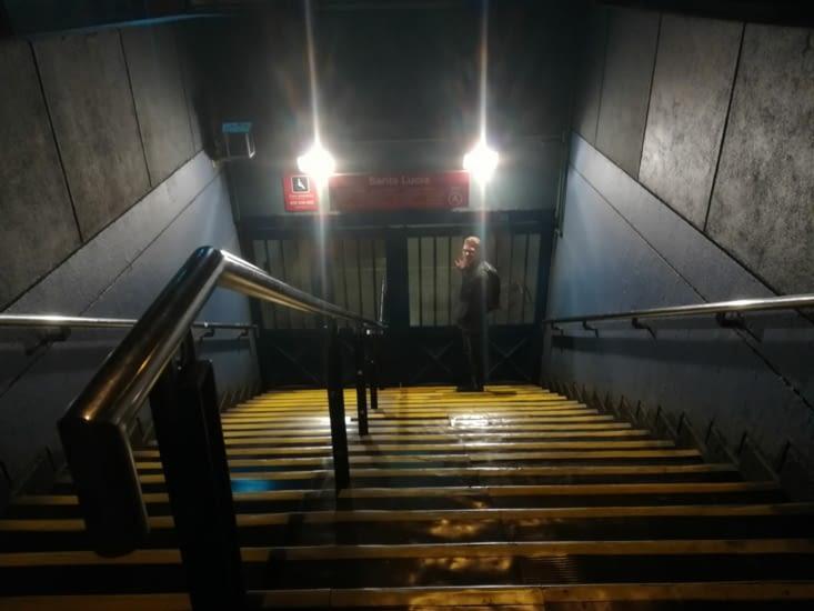 Oh non... Le métro est fermé !