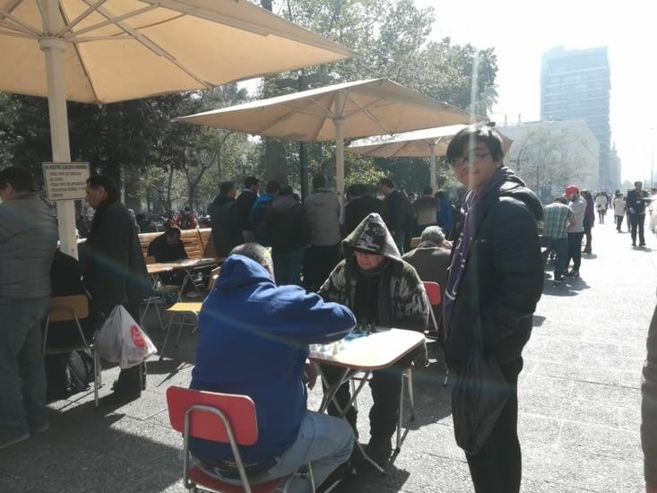 Plus gai, concours d'échec sur la Plaza de Armas.