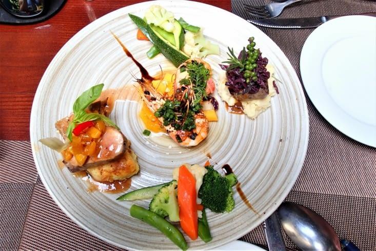 Avant d'entamer le quartier colonial, petite pause culinaire dans un super restaurant ?