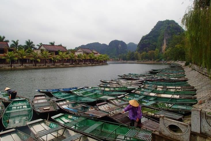 Retour dans le centre de Tam Coc où se trouve le départ des excursions en barque.