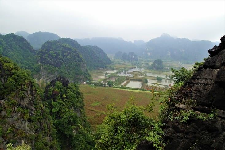 Il permet également d'avoir un beau point de vue sur la vallée.