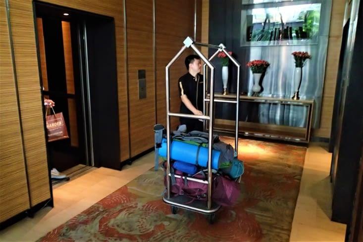 Après 2h bien galère dans les bouchons, on arrive enfin à l'hôtel !