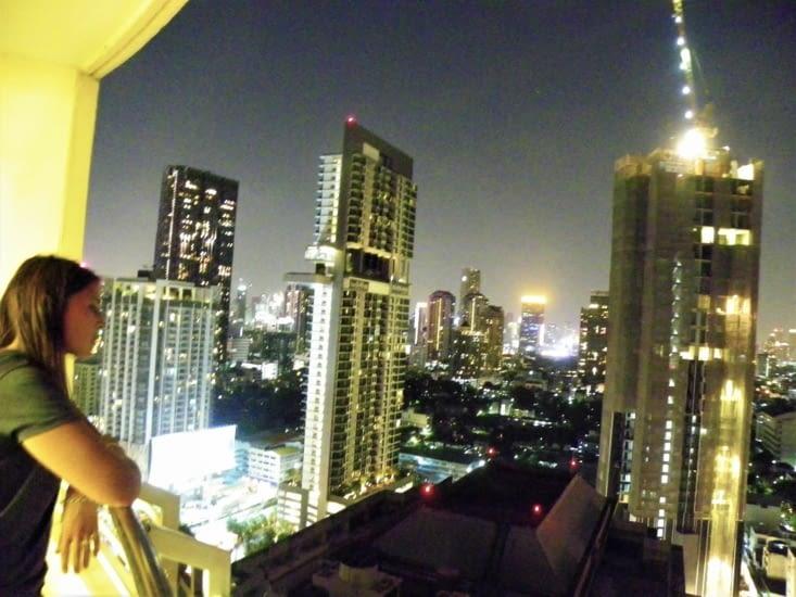 De retour à l'hôtel, on fonce au balcon pour admirer la vue.