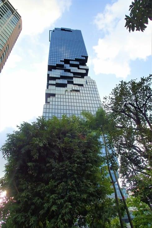 Tiens on dirait un immeuble fait en Légo. Stylé !