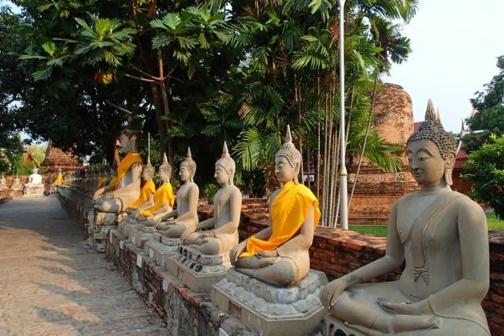 Du coup, on a trouvé un temple sympa  pour se relaxer au milieu de tous ces buddhas !