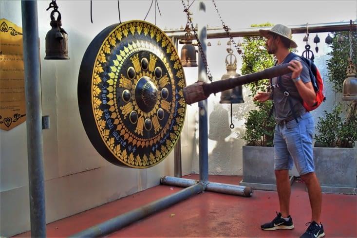 Un gong traîne par là donc Guillaume n'a pas pu s'empêcher de taper dedans !