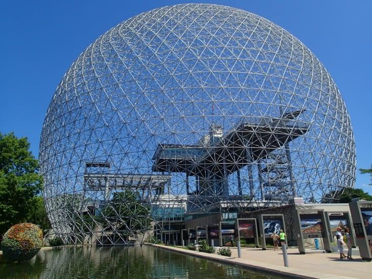 Biosphère : une belle grosse boule qui ne sert pas à grand chose.