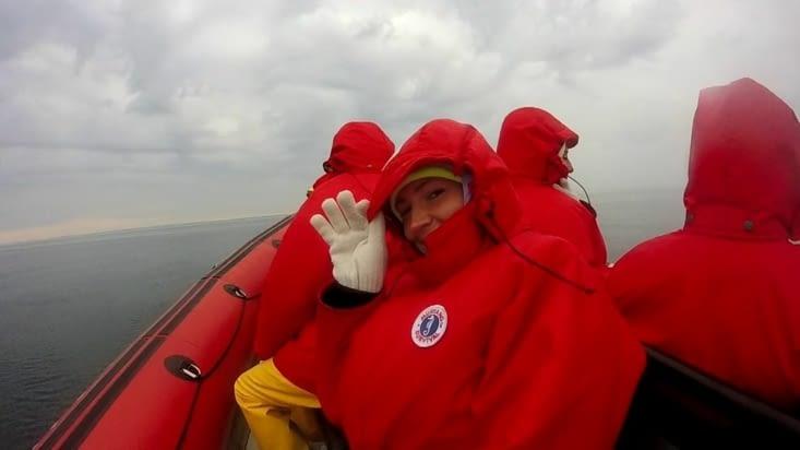 Départ à 7h du matin pour voir les baleines, un bon vent gelé dans la gueule !
