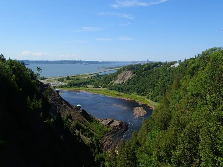 Parc des chutes de Montmorency. Le parc est situé a à peine 10 min de Québec.