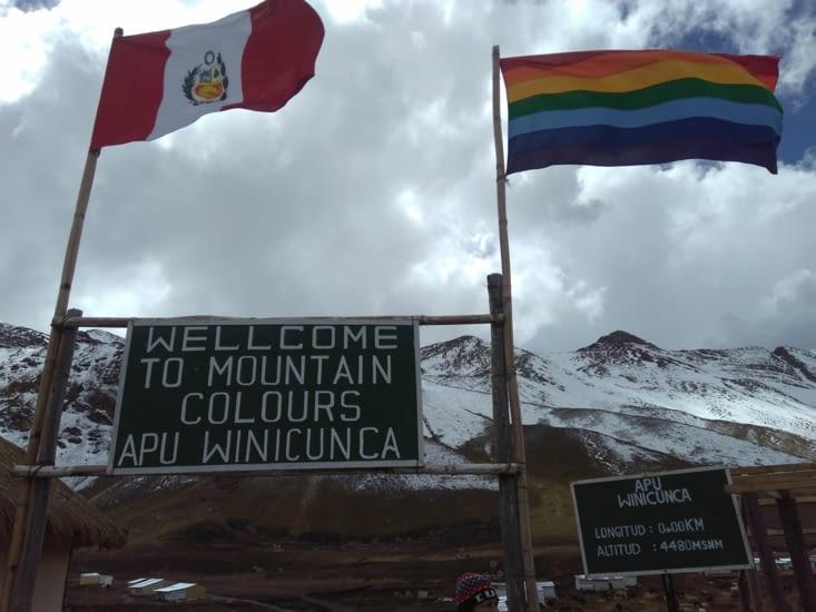 """Départ à 1h du mat pour affronter la montagne colorée """"Vinicunca"""" et ses 5200m d'altitude."""