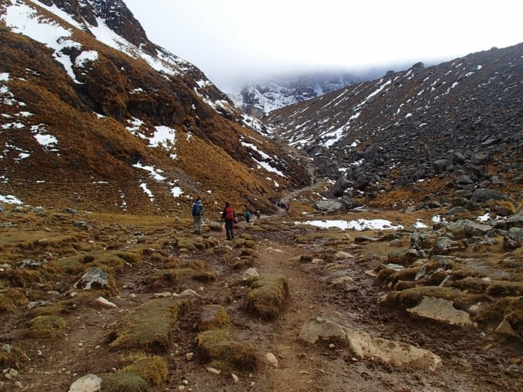 C'est parti pour l'ascension du col Salkantay ! On va passer de 3700m à 4624m.