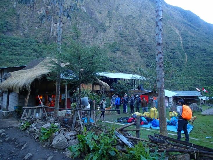 Notre campement pour le 2ème jour. On a apprécié la douche avec l'eau de la rivière à 5°C!