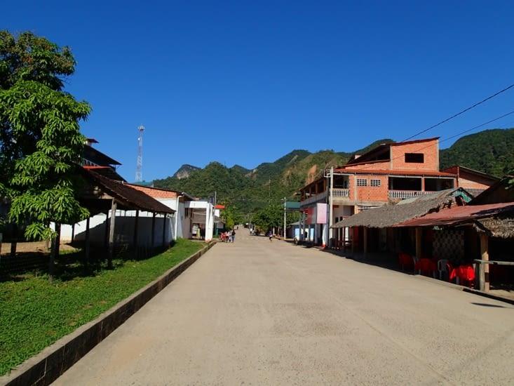 Arrivée à Rurrenabaque. Enfin une ville paisible où il est agréable de se balader.