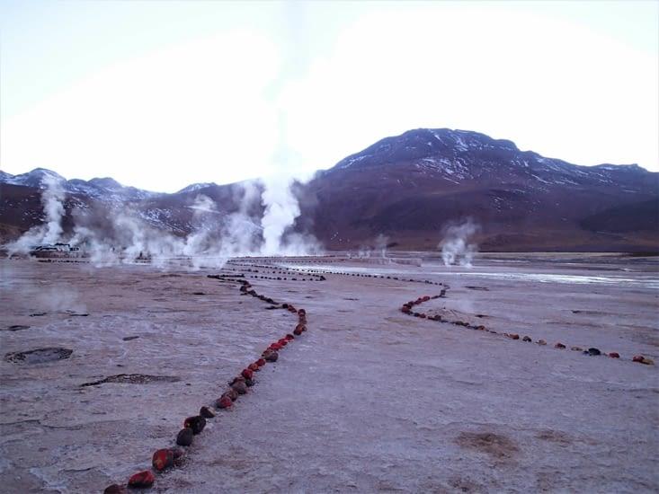Une nouvelle journée qui commence par un levé aux aurores pour voir les geysers d'El Tatio