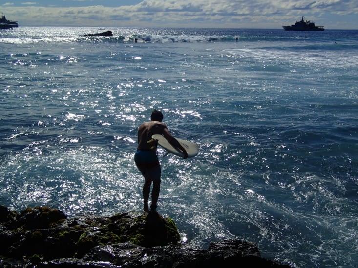 Qui dit océan dit vagues ! Guillaume se lance en solo !