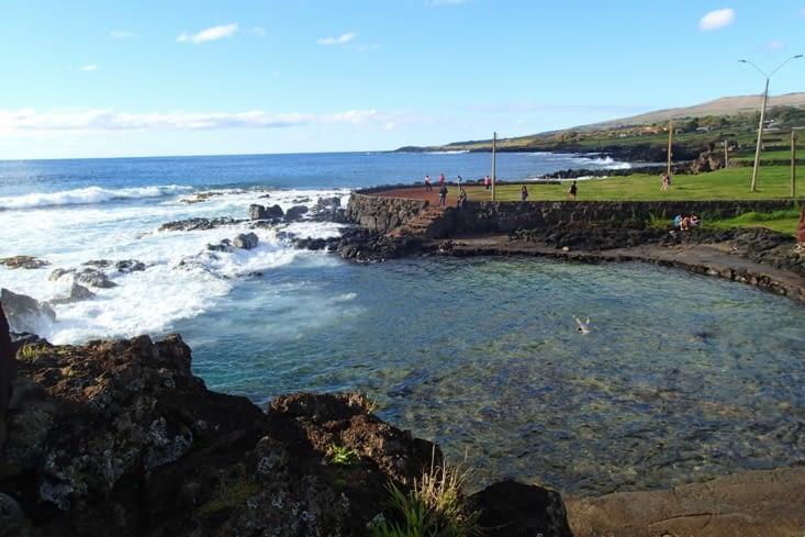 Piscine naturelle donnant sur l'océan ! Eau à 23 °C. Très bien !