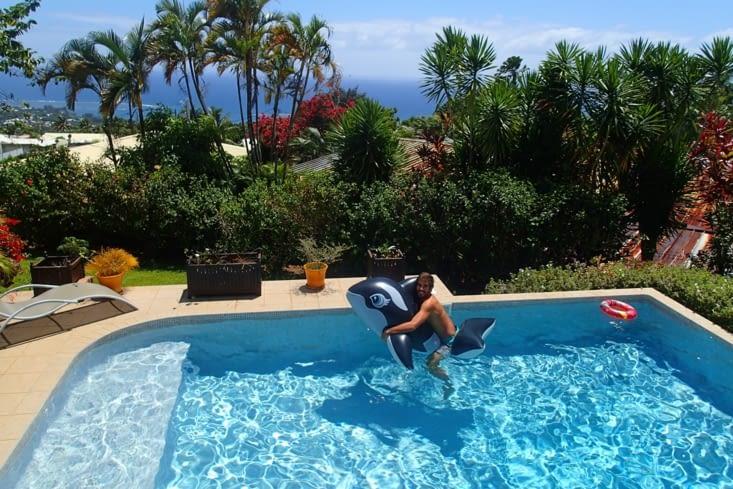 Superbe maison avec vue sur l'océan et Guillaume n'a pas manqué d'inaugurer la piscine !