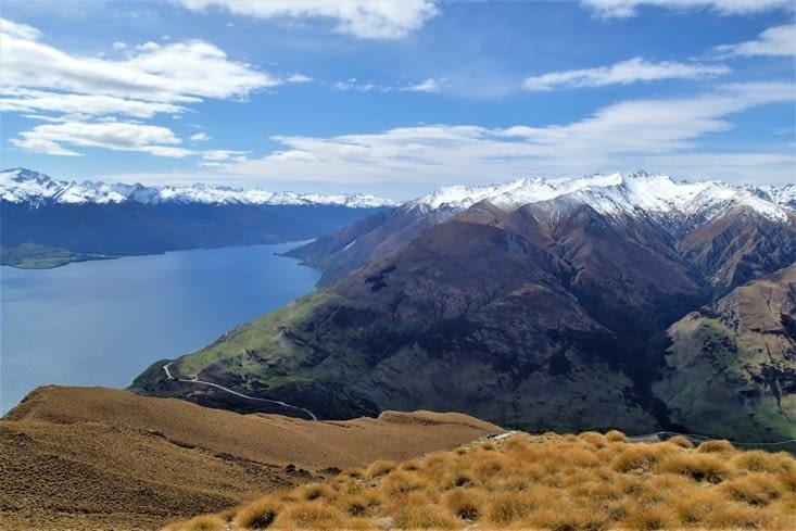 Vue à 360° sur les lacs et montagnes environnants. Sublime !