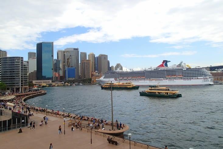 Vue de Sydney depuis l'opéra sur la Circulaire Bay.