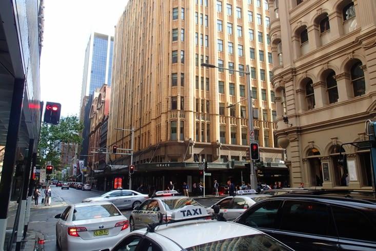 Difficile de retrouver les buildings, les klaxons et le monde après le calme de la NZ...