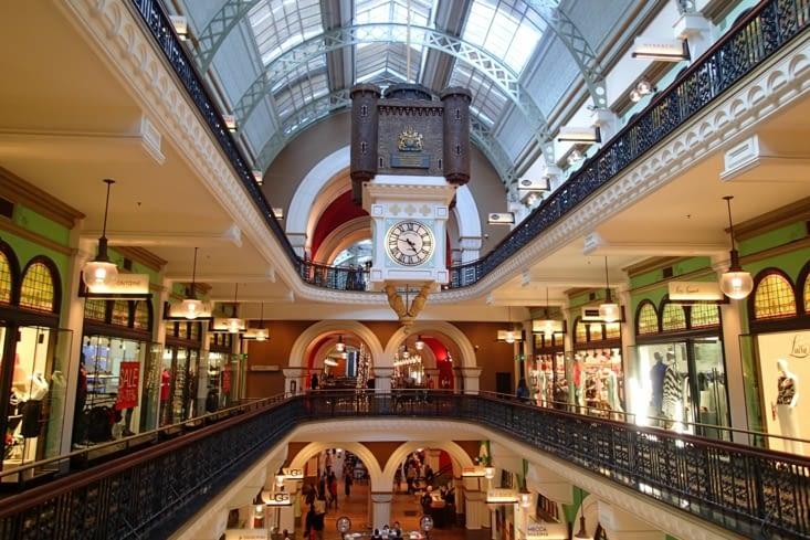 C'est dans le même style que les galeries Lafayette à Paris ! Super joli.