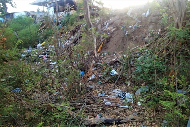 Et enfin : gros coup de gueule et carton rouge pour la gestion des déchets sur cette île.