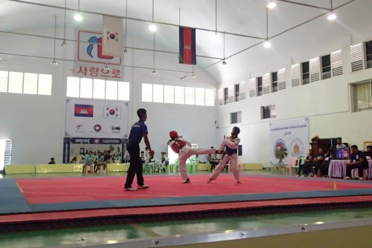 Et une compétition de taekwondo. Plus violent mais cool à regarder !