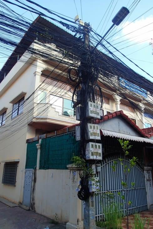 Il ne fait pas bon à être électricien dans ce pays !