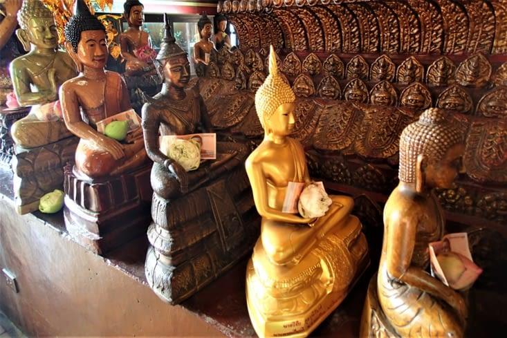 Bouddha a la phobie des pieds mais pas de l'argent apparemment...