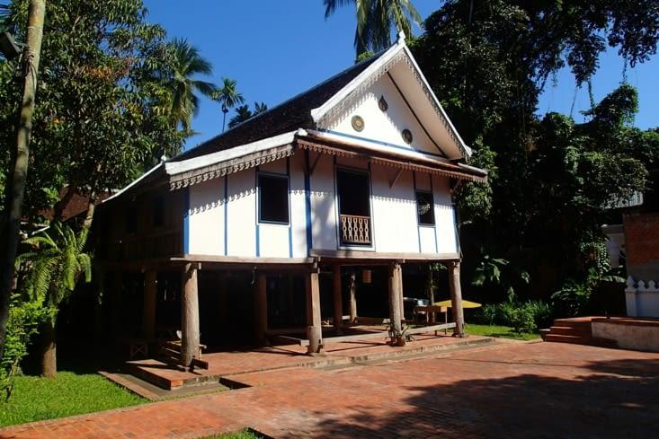 Plusieurs raisons justifient la protection Unesco : les bâtiments traditionnels en bois...