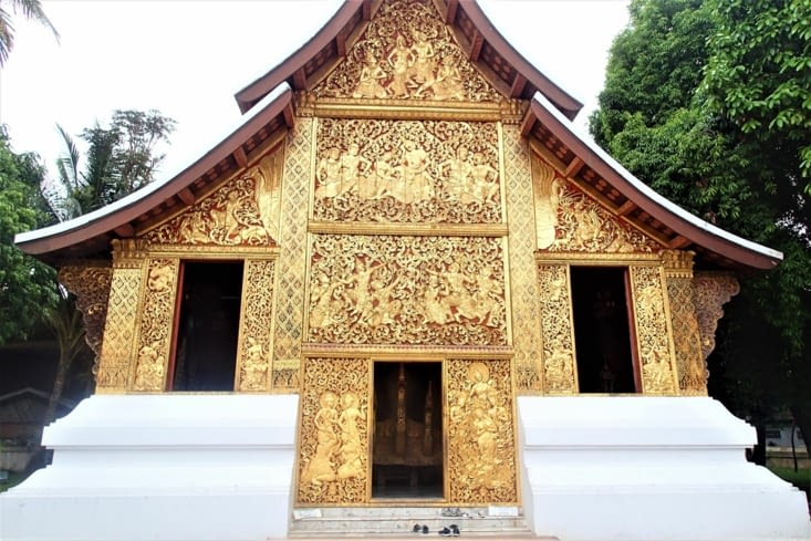 """Visite du temple Xieng Thong surnommé """"le temple d'or""""."""