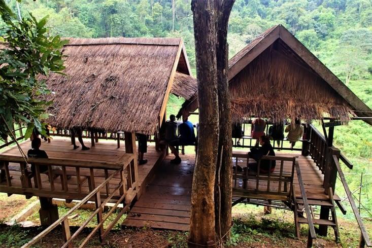 Voici l'observatoire de la zone de sociabilisation où les éléphants se retrouvent.