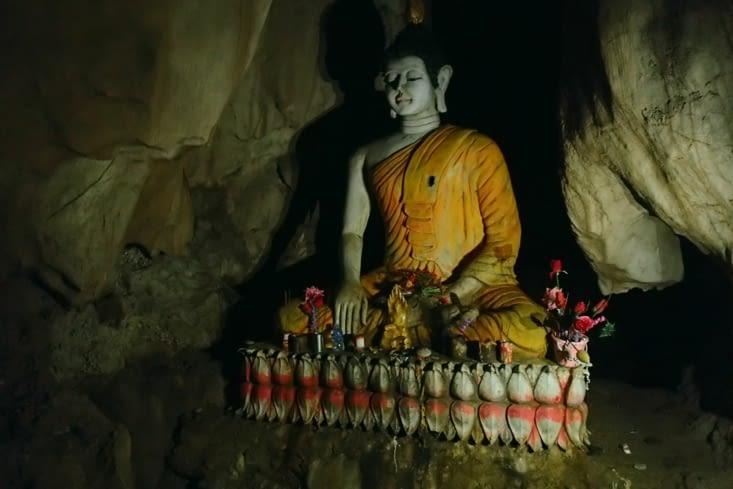 Boudhha est décidément partout... Même au fond des grottes !