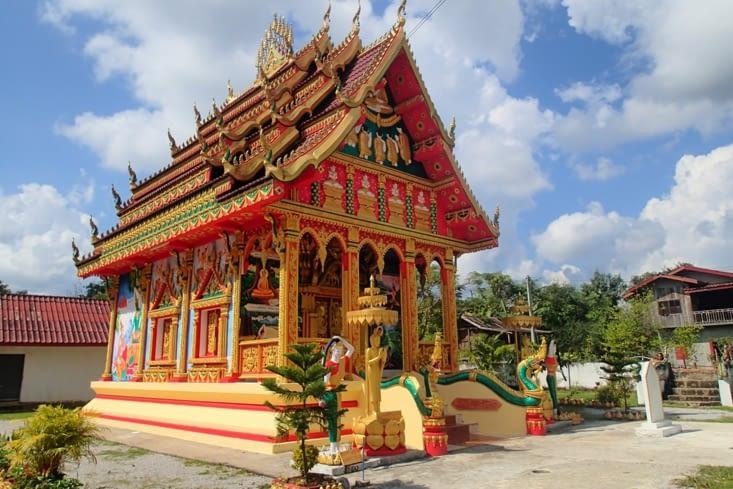 Sur le même thème, il y a un petit temple tout mignon au milieu de la vallée.