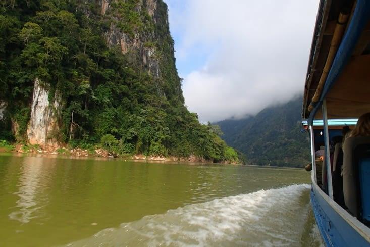 C'est parti pour une expédition sur la journée vers le site des 100 cascades.
