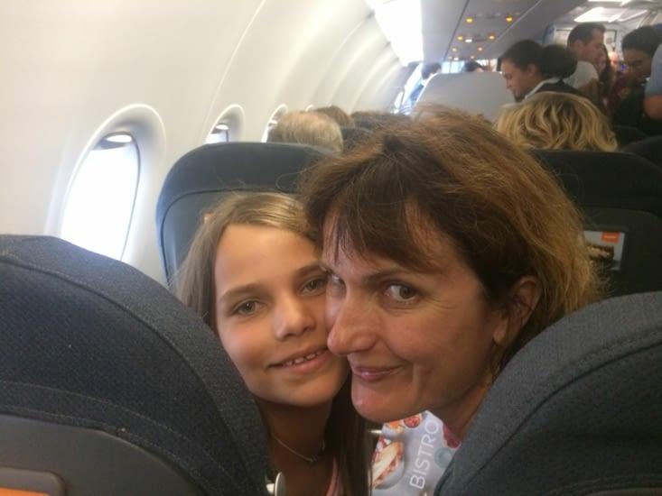 Dans l'avion!