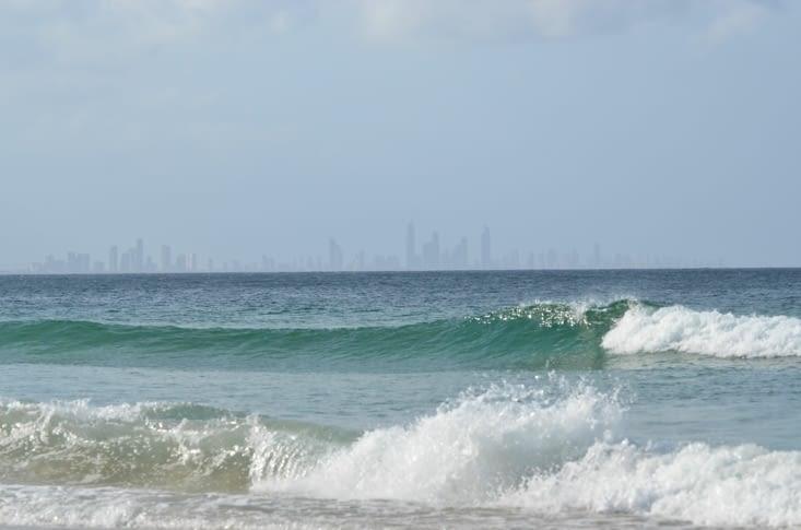 Au fond, nous pouvons apercevoir les buildings de surfer paradise
